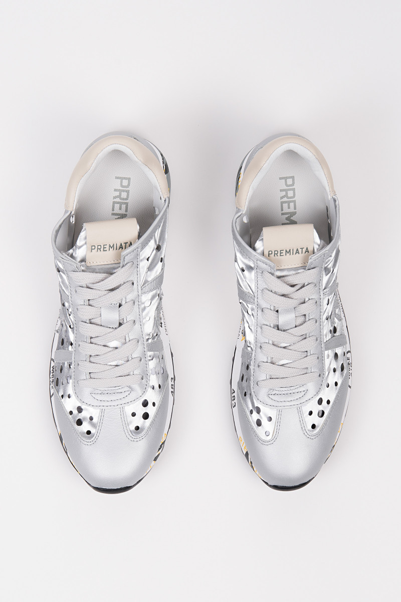 Lucy Silver Leather Sneakers portada