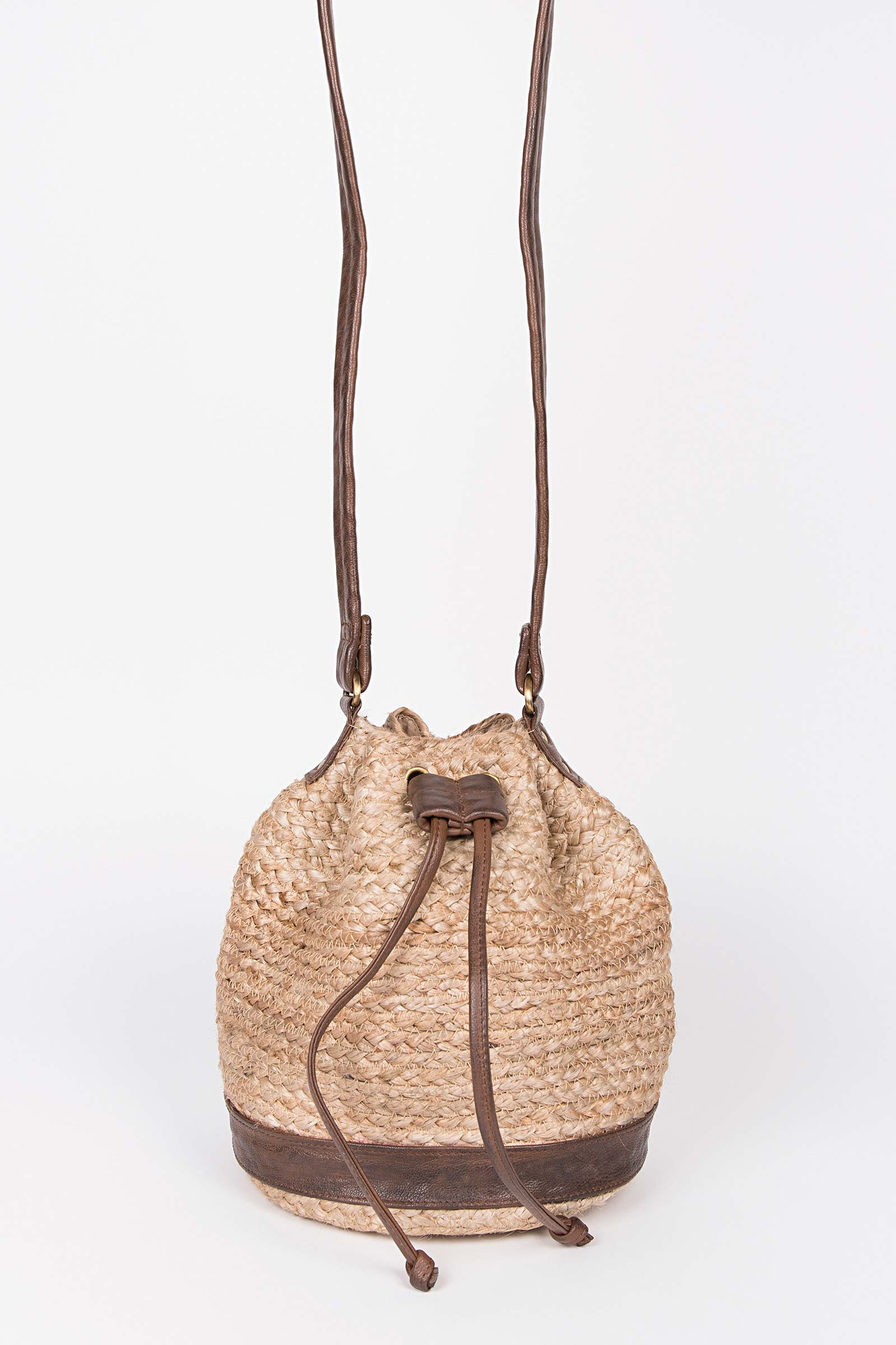 Pouch Style Wicker Bag  cover