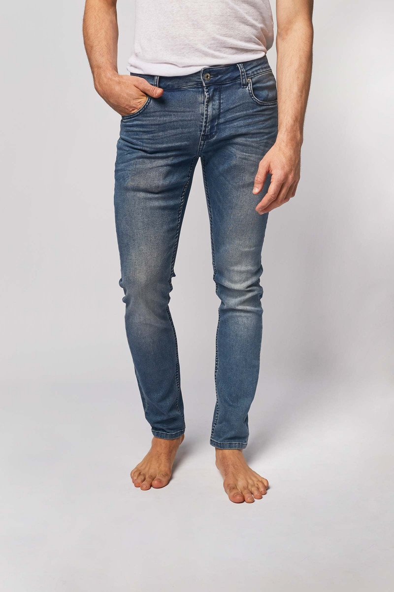 Men's Solid Jeans cover
