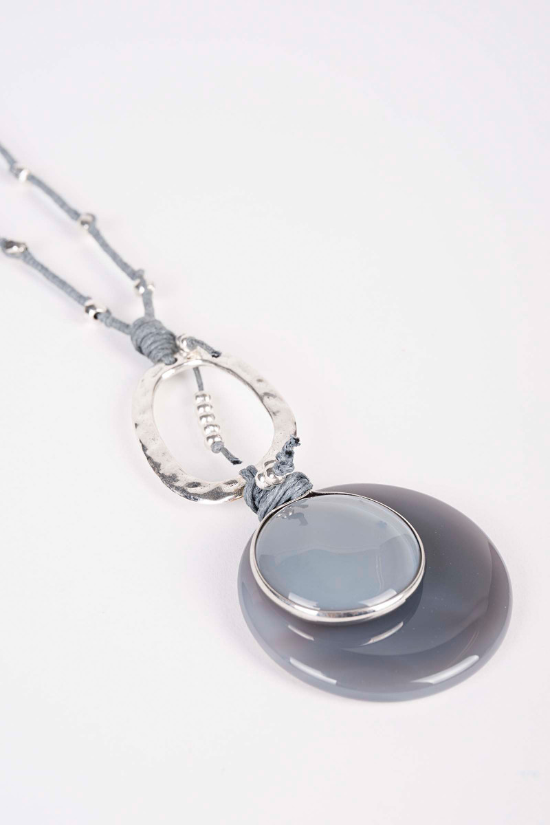 Gray Venus Necklace