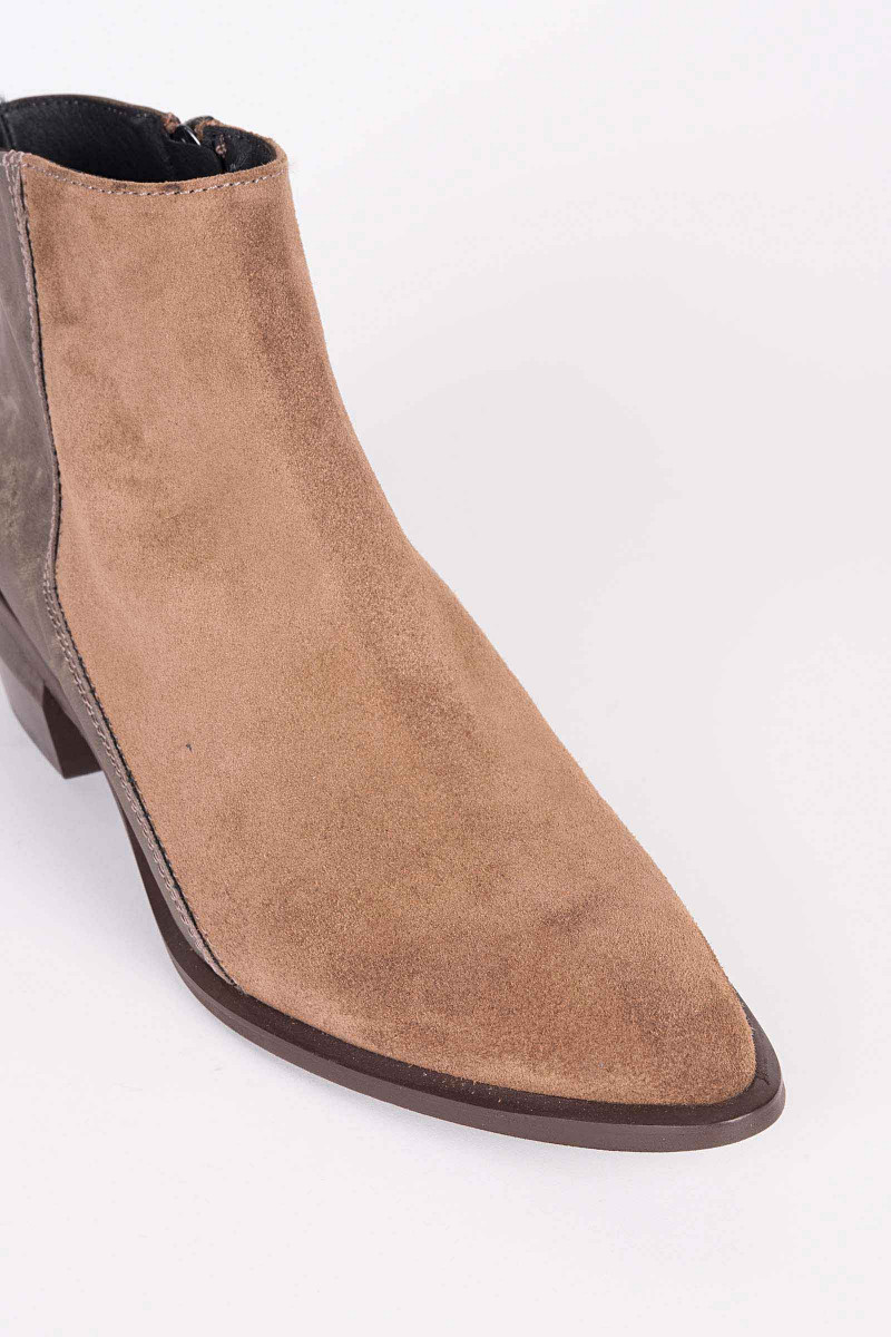 Brown Suede-Mole Ankle Boots