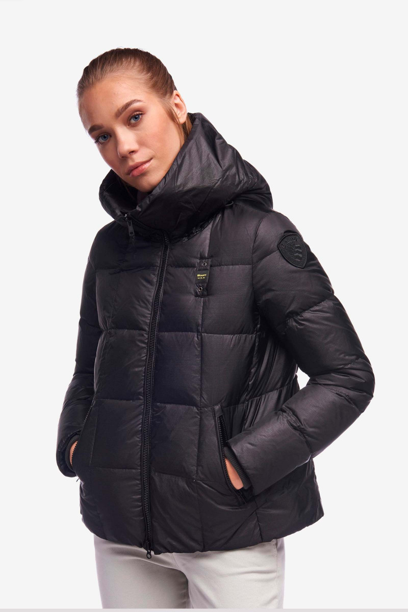 Black Down Jacket Kaur Blauer  Elisa & Eduardo Rivera