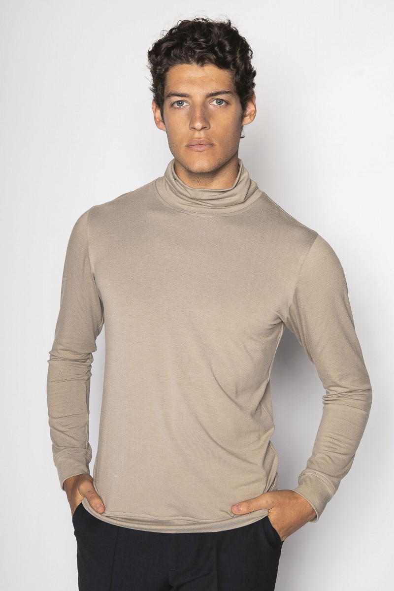 Beige Long Sleeve T-shirt Eduardo & Elisa Rivera