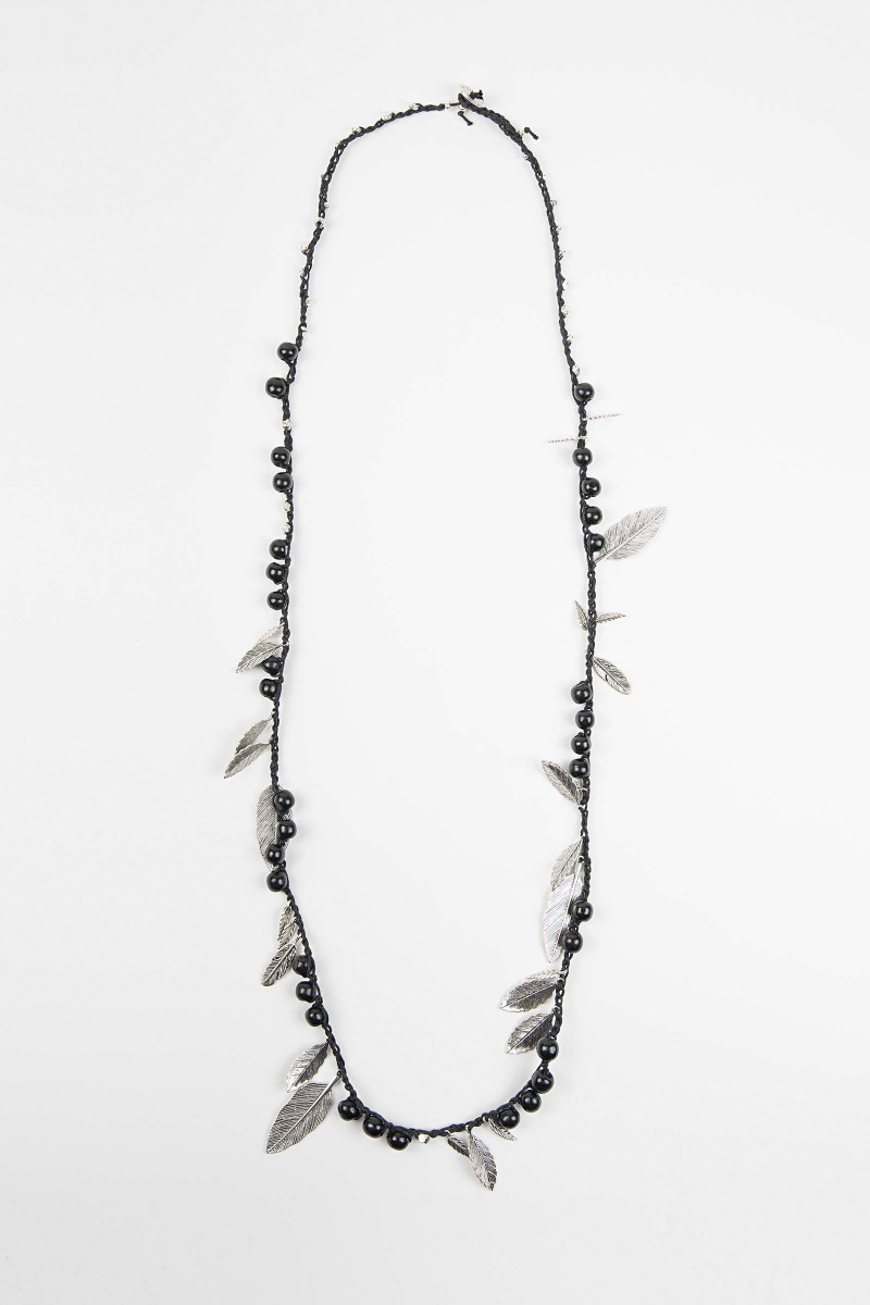 Black Awa Feathers Necklace Elisa & Eduardo Rivera