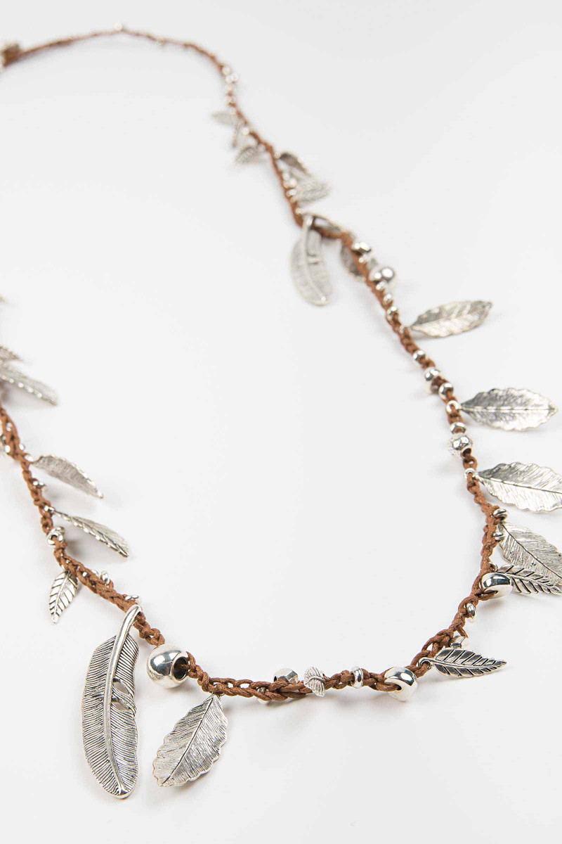 Camel Awa Feathers Necklace