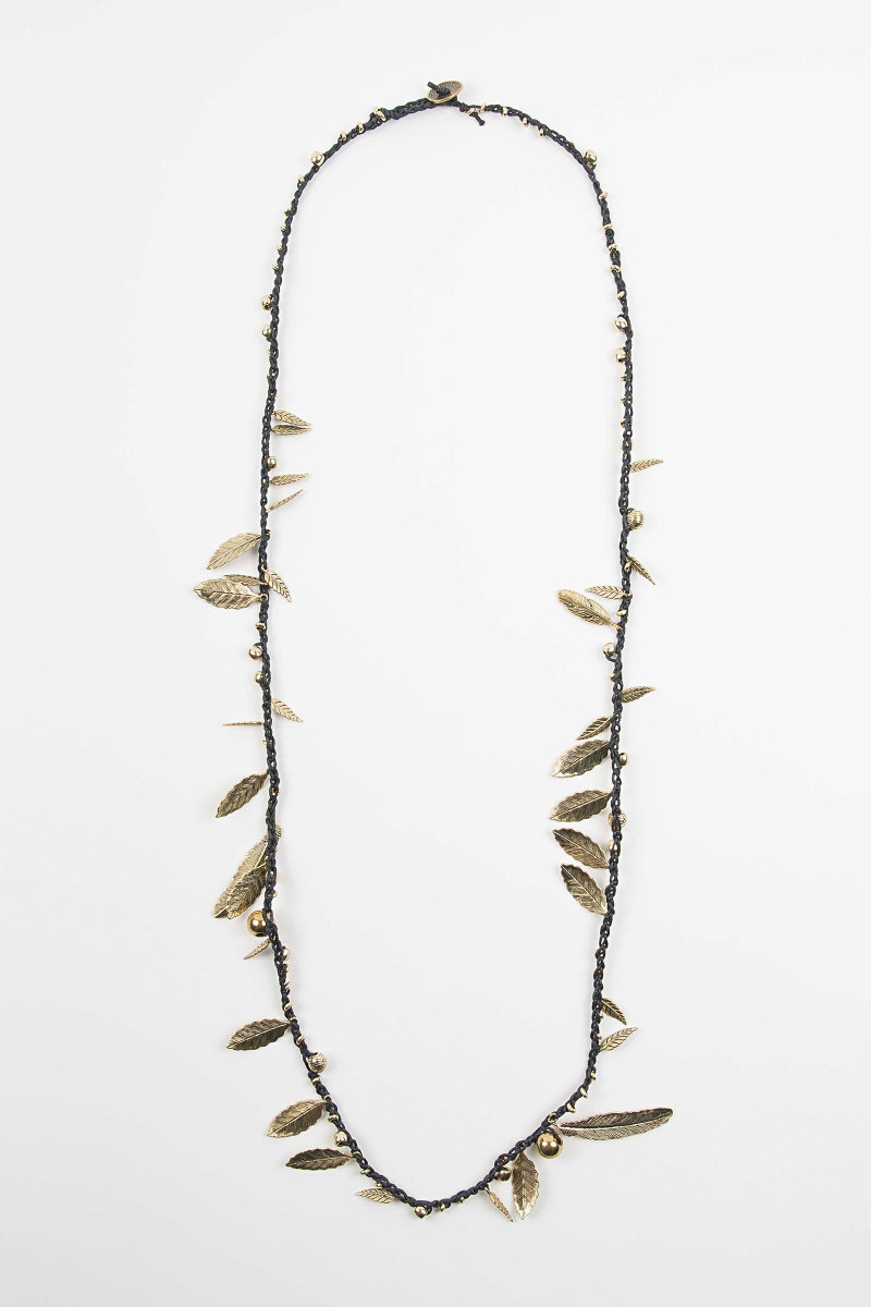 Black-Gold Awa Feathers Necklace Elisa & Eduardo Rivera