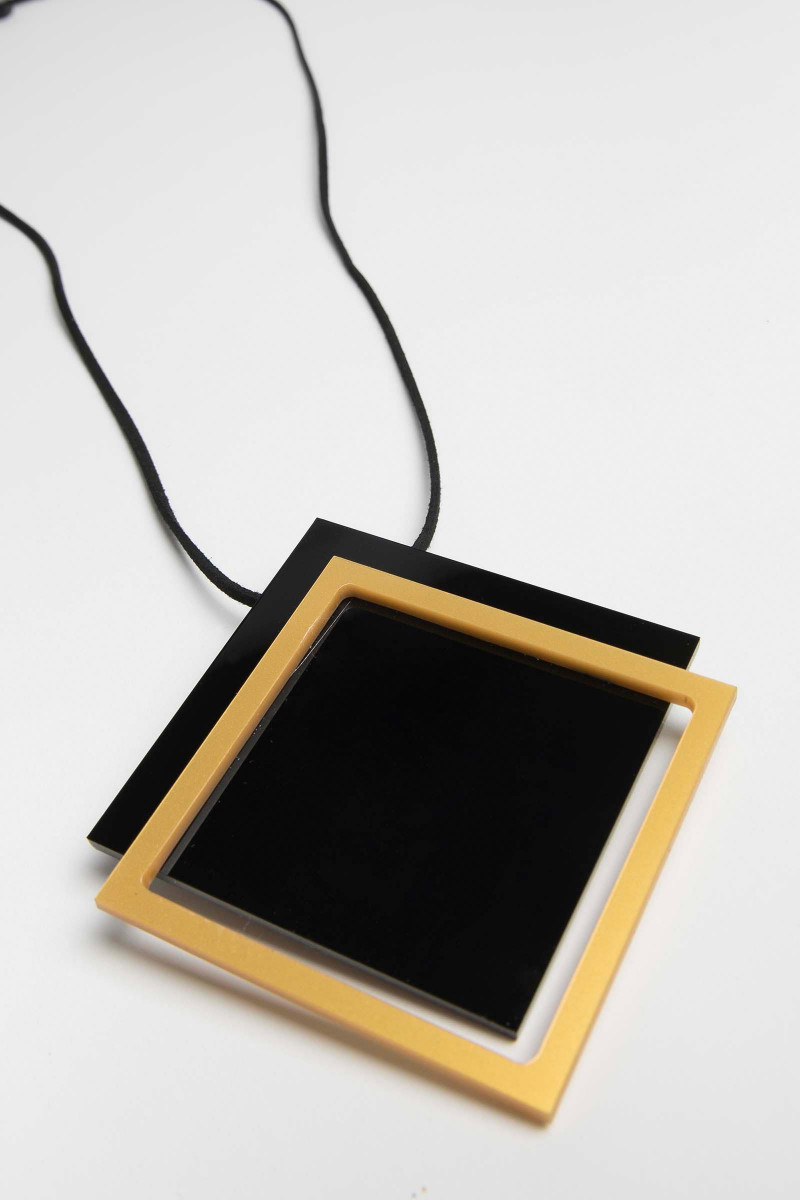 Black-Yellow Box Necklace