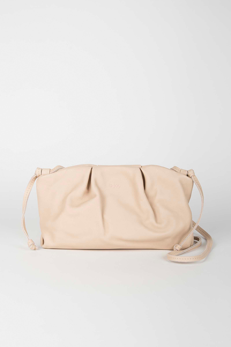 Nude Sandra Leather Clutch Elisa & Eduardo Rivera