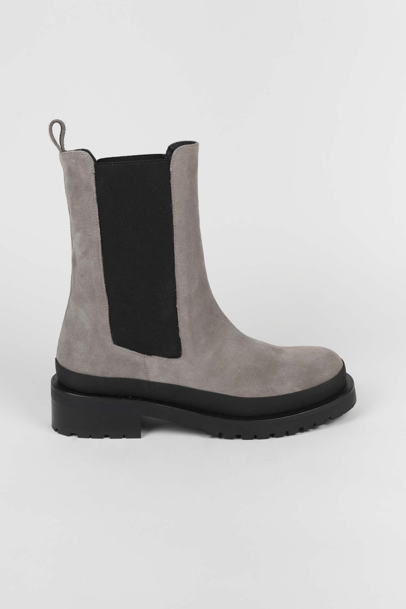 Suede Chelsea Gray Booty