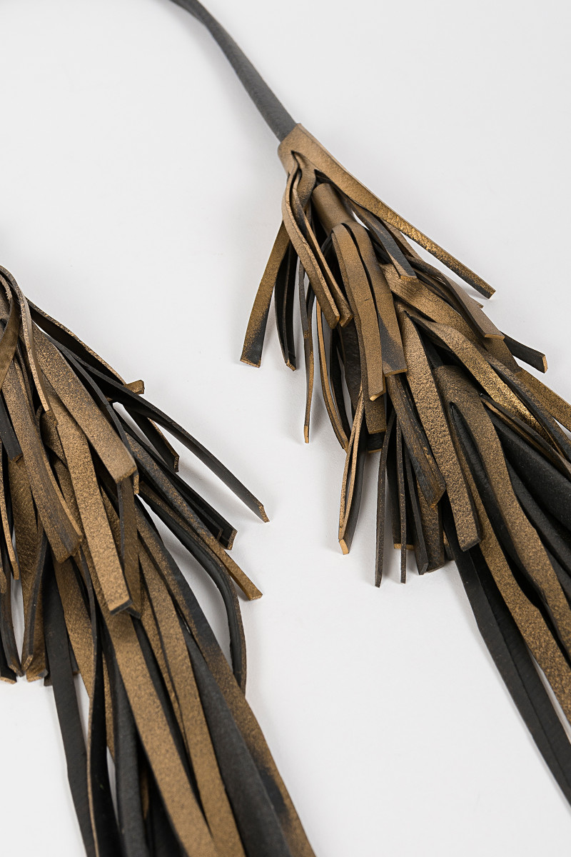 Golden-Black Fringes Necklace cover